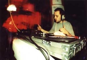 Beyerdynamic DT-100. Squarepusher DJ set.